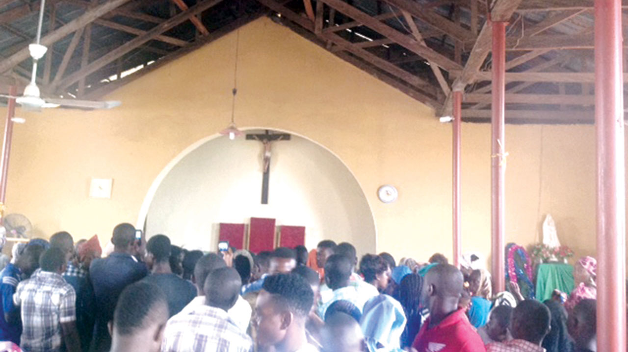 News: Church Receives N42 Million Tithe From An Anonymous Donor In Makurdi